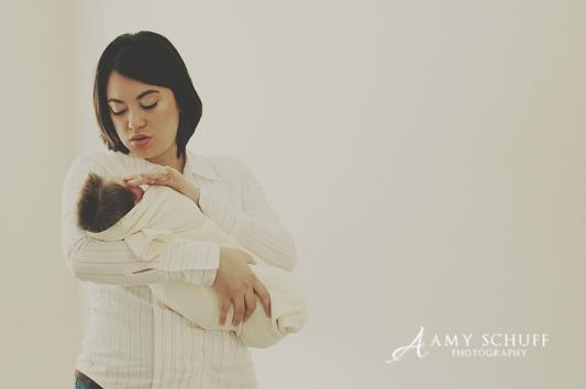 http://www.amyschuffphotography.com/blog/tag/sacramento-newborn-photographer/